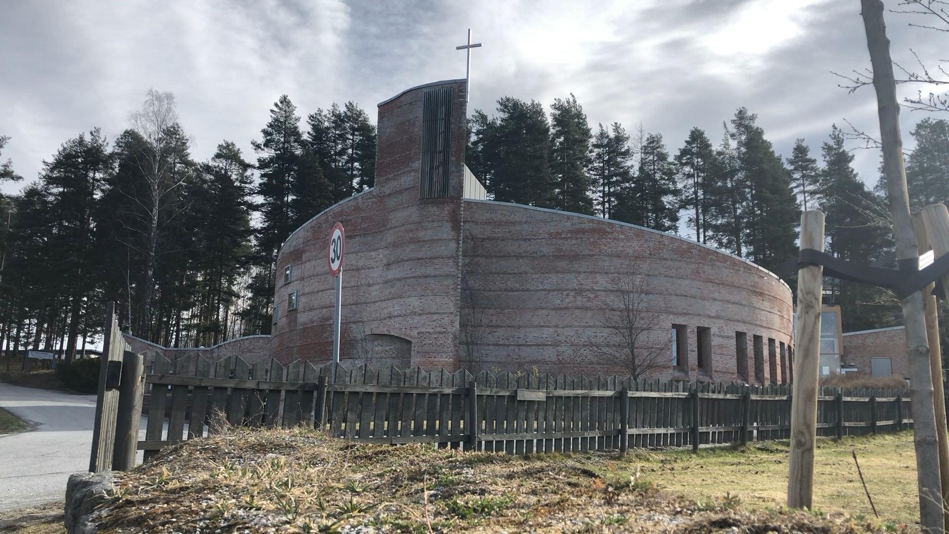 Gudstjeneste fra Åmot kirke 1. påskedag