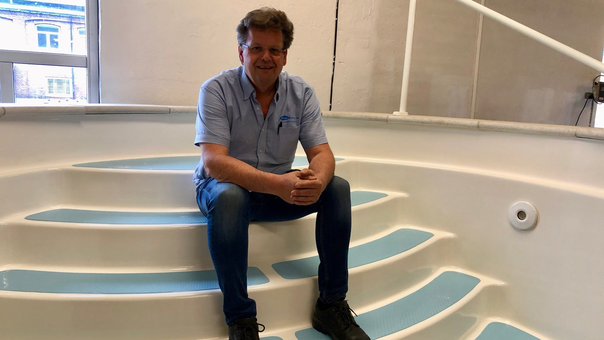 «Alle» skal ha svømmebasseng. Partnerline i Geithus har doblet omsetningen