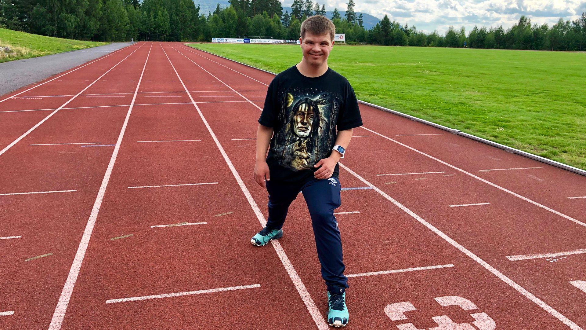 Emil er bitt av løpebasillen