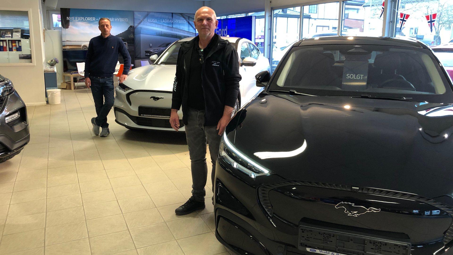 Nå har Ford Mustang blitt elektrisk. Wold & Borgersen solgte første bil før den var i hus