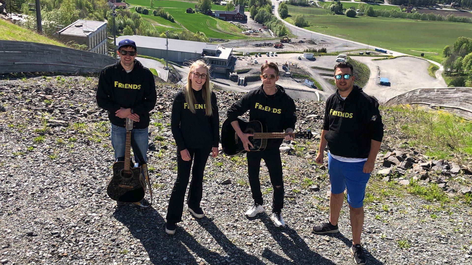 Holder strømme-konsert ved hoppet i Vikersundbakken