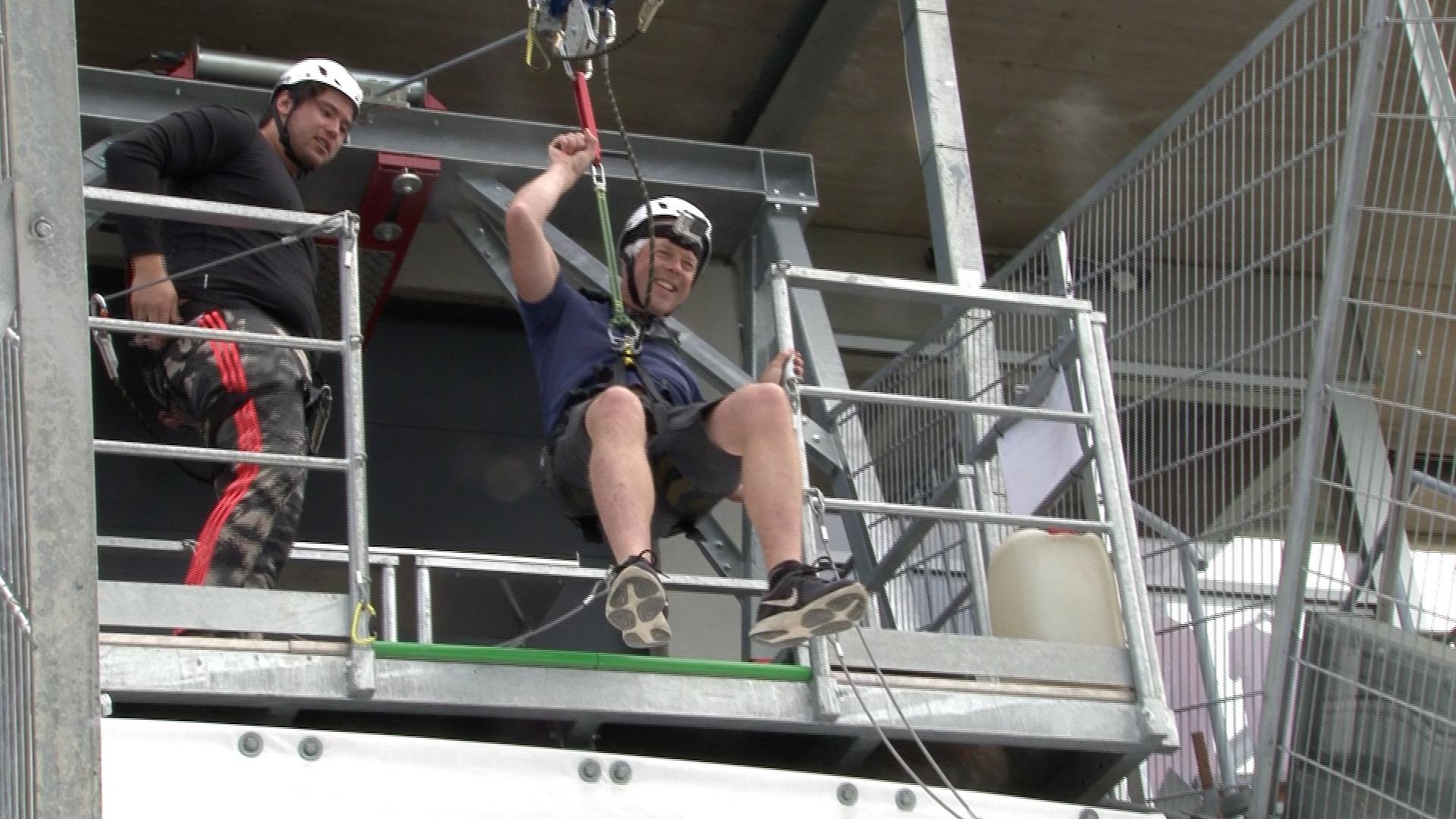 Vi tester Ziplinen i Vikersundbakken