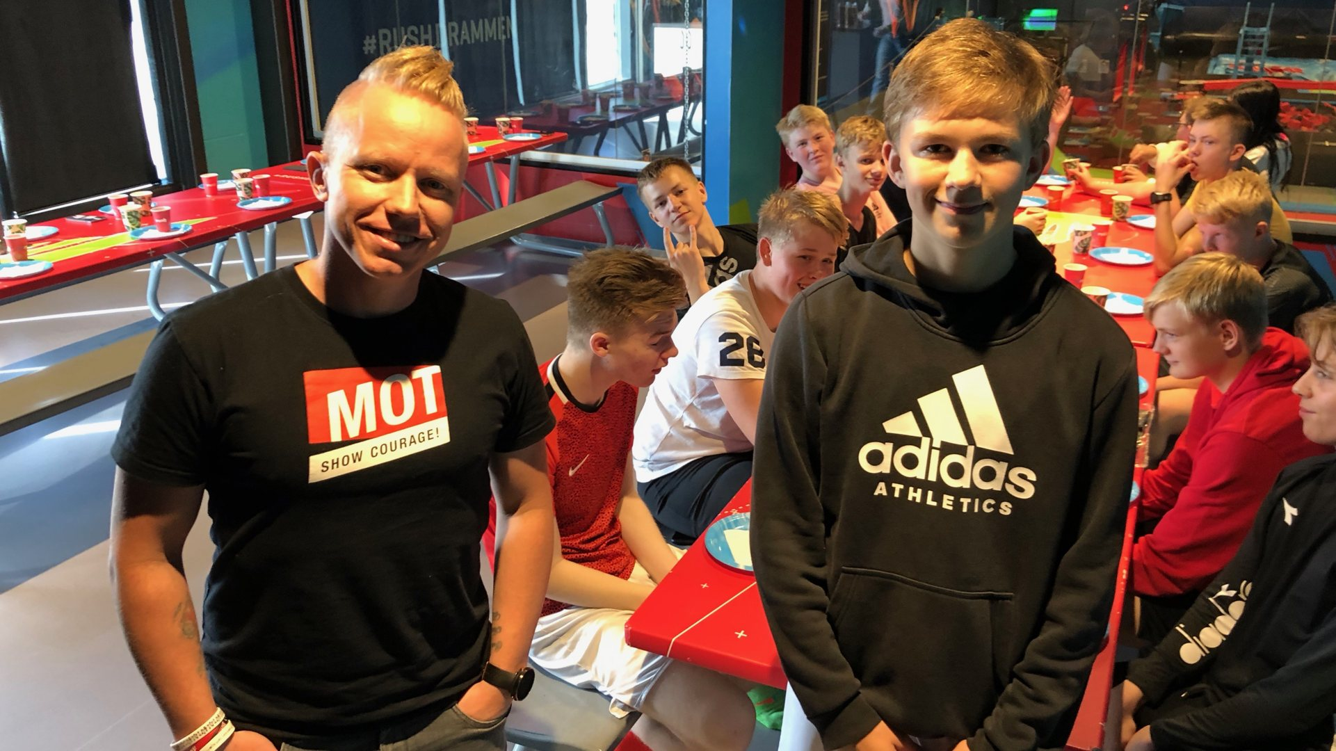 Bastian vant MOT-gave