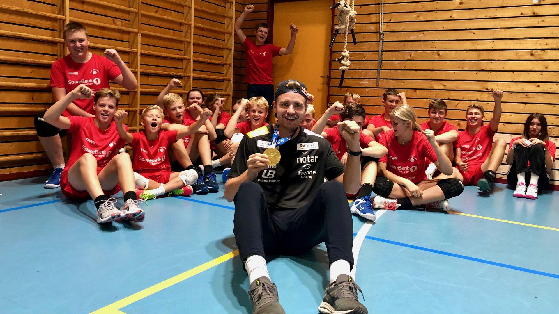 Ol-gullvinner besøkte Vikersund volley